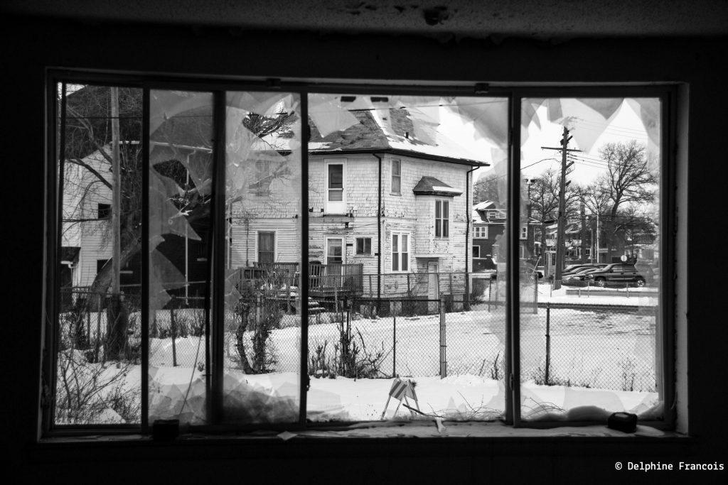 vue sur maison abandonnée